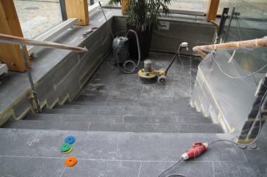 Stonecare - broušení teracových podest a schodů