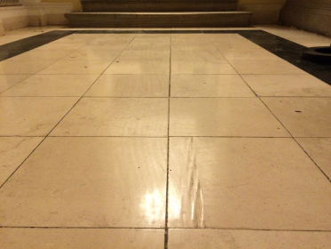 Mramorová podlaha před renovací