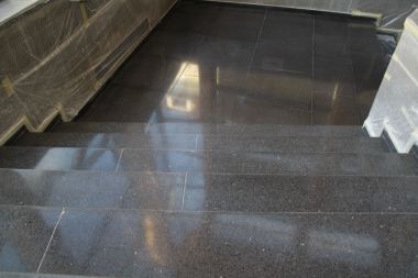 Stonecare - teracová podesta a schody po renovaci
