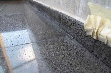 Stonecare - kraj teracové dlažby po kalibraci